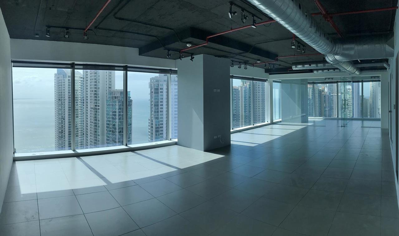 Oceanía Business Plaza, Punta Pacífica – Oficina en piso alto lista para ocupar